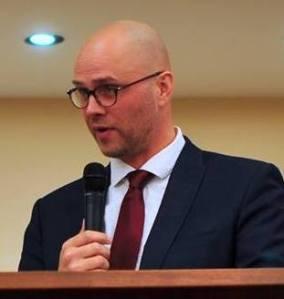 Joel Dykstra-c